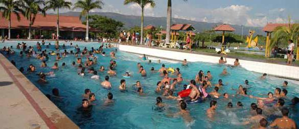las-piscinas-se-llenan-de-seguridad